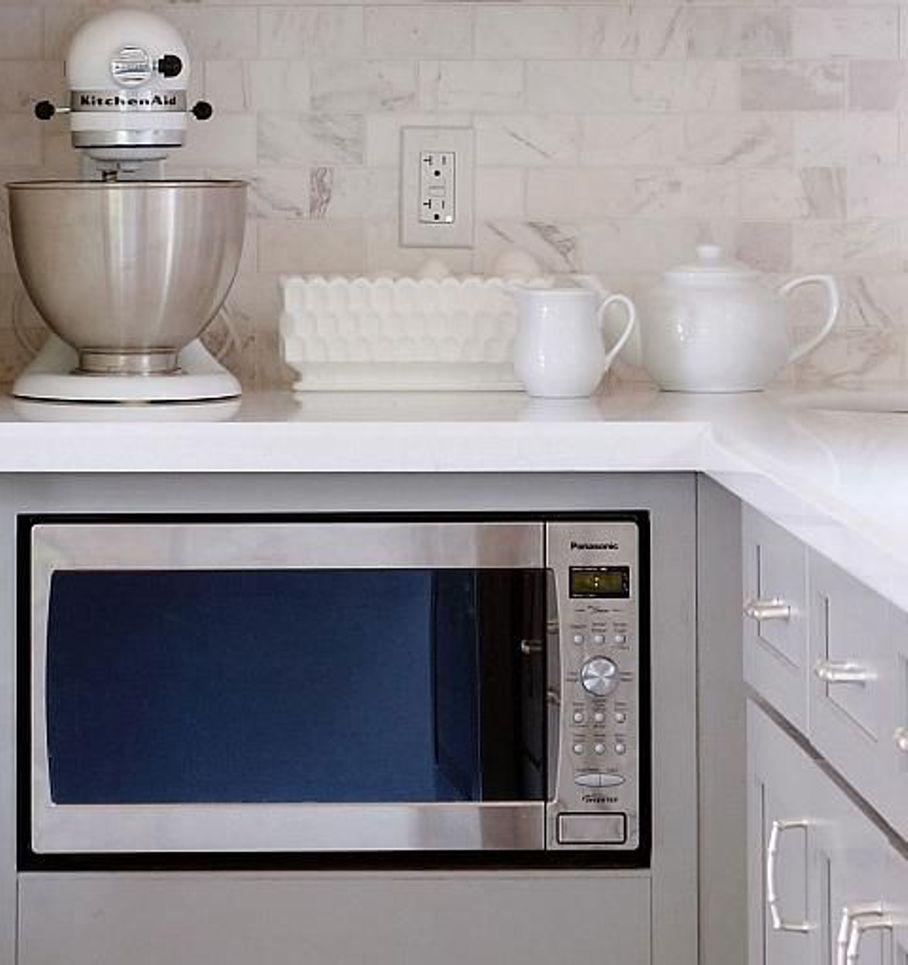 Микроволновка в кухне картинки